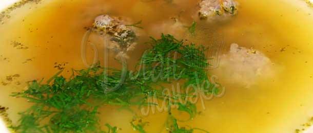 Бульон с фрикадельками