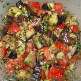 salat-iz-baklazhanov-s-pomidorami
