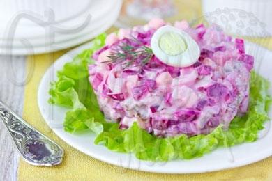salat-so-svekloy-i-seledyu