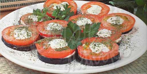 Баклажаны, жаренные с помидорами