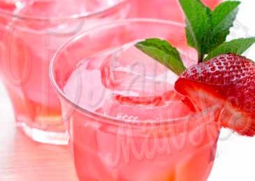 Напиток с клубничным сиропом