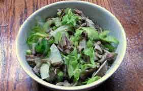 Салат из говядины с белыми грибами