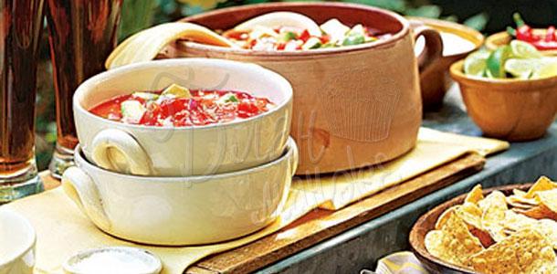 Суп из свежих помидоров и авокадо